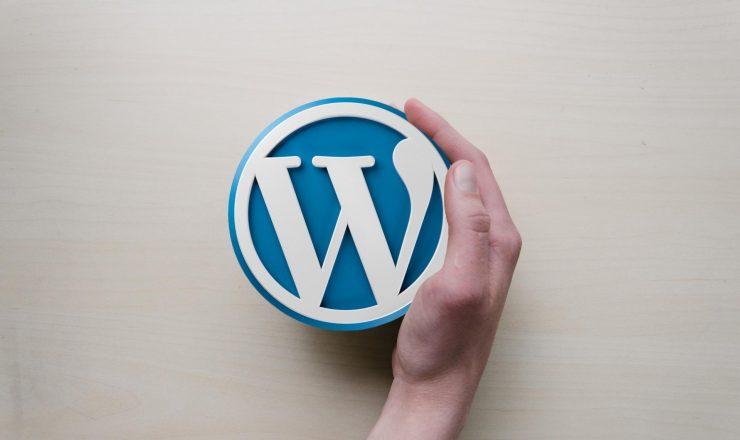 1977271657 wordpress 589121 zmN7 1920x1280 MM 100 740x440 - WordPress(ワードプレス)とは